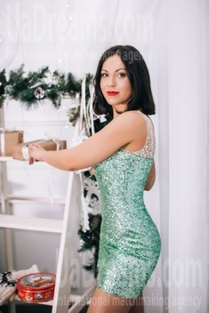 Elena from Lutsk 34 years - introduce myself. My small public photo.