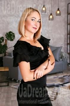 Tetiana from Zaporozhye 43 years - bright smile. My small public photo.