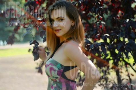 Hanna from Cherkasy 29 years - cool photo shooting. My small public photo.