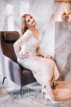 Vika from Lutsk 23 years - loving woman. My small public photo.