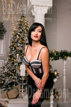 Natalie from Sumy 34 years - waiting for husband. My small public photo.
