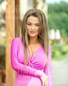 Galyna from Lviv 34 years - romantic girl. My small public photo.