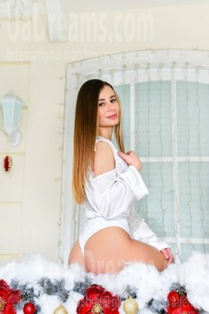 Nika from Kiev 21 years - smiling for you. My small public photo.