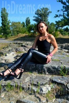 Stella from Kremenchug 26 years - ukrainian woman. My small public photo.
