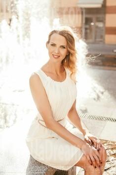 Alena from Dnipro 44 years - ukrainian bride. My small public photo.