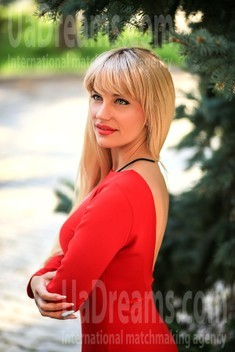 Tanya from Zaporozhye 34 years - amazing girl. My small public photo.