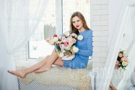 Lucy from Cherkasy 27 years - ukrainian bride. My small public photo.