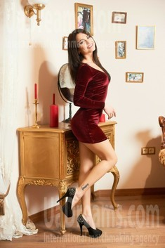 Karina from Ivanofrankovsk 23 years - attractive lady. My small public photo.
