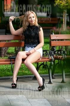 Marisha from Kremenchug 29 years - creative image. My small public photo.
