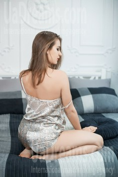 Svetlana from Dnipro 28 years - wants to be loved. My small public photo.