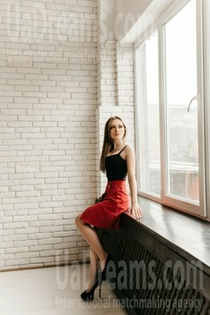 Ira from Ivanofrankovsk 23 years - desirable woman. My small public photo.