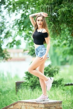 Ira from Ivanofrankovsk 23 years - girl for marriage. My small public photo.