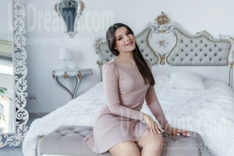Natali from Ivano-Frankovsk 20 years - look for a man. My small public photo.