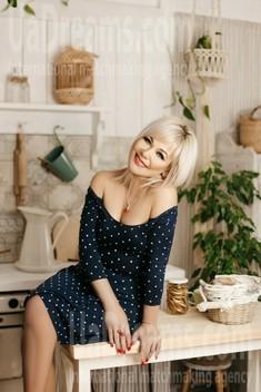 Ira from Ivanofrankovsk 46 years - future bride. My small public photo.