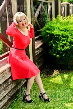 Ira from Ivanofrankovsk 47 years - sexy lady. My small public photo.
