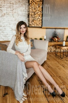Evgeniya from Dnipro 25 years - Warm-hearted girl. My small public photo.