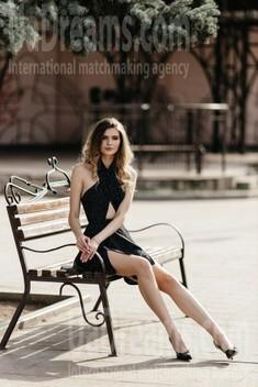 Evgeniya from Dnipro 25 years - easy charm. My small public photo.
