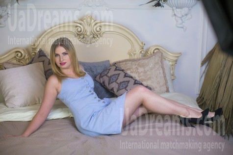Yana from Sumy 28 years - morning freshness. My small public photo.
