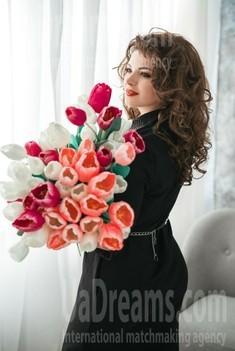 Lena from Dnipro 35 years - ukrainian bride. My small public photo.