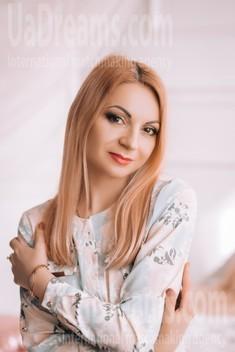 Ksyusha from Lutsk 35 years - attentive lady. My small public photo.