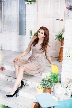 Liana from Kharkov 31 years - wants to be loved. My small public photo.