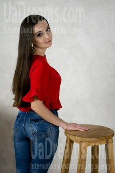 Vika from Poltava 20 years - intelligent lady. My small public photo.