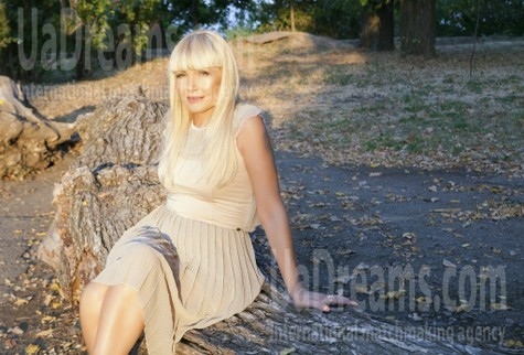 Elena from Odessa 59 years - girl for marriage. My small public photo.