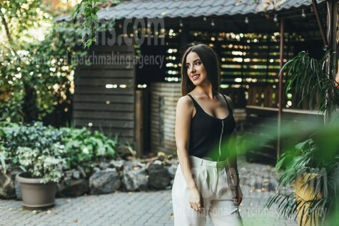 Nataliya from Dnipro 22 years - nice smile. My small public photo.