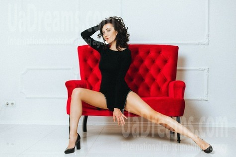 Marina from Poltava 37 years - carring woman. My small public photo.