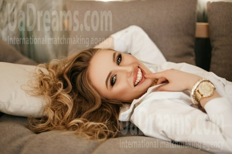 Yuliia from Ivanofrankovsk 20 years - smiling for you. My small public photo.