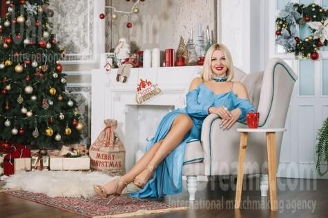 Nataliya from Cherkasy 44 years - kind russian girl. My small public photo.