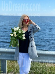 Nataliya from Cherkasy 45 years - carring woman. My small public photo.