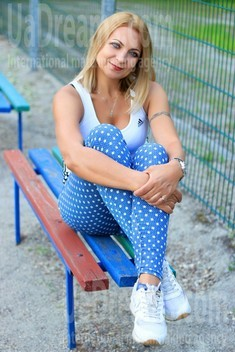 Elaine from Zaporozhye 54 years - waiting for you. My small public photo.