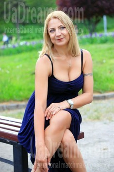Elaine from Zaporozhye 54 years - photo gallery. My small public photo.