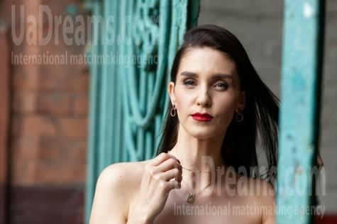 Elina from Kremenchug 33 years - single lady. My small public photo.