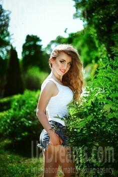 Marina from Dnipro 31 years - soft light. My small public photo.