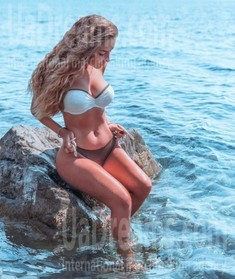 Xenya from Kiev 20 years - seeking soulmate. My small public photo.