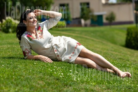 Nadya from Kremenchug 36 years - sunny day. My small public photo.
