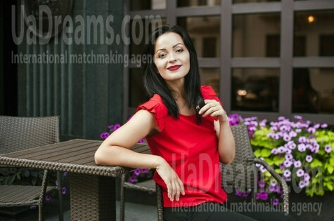 Veronika from Dnipro 34 years - clever beauty. My small public photo.