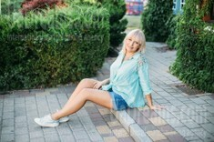 Vlada from Kharkov 44 years - want to be loved. My small public photo.