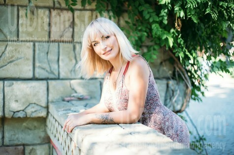 Vlada from Kharkov 44 years - hot lady. My small public photo.