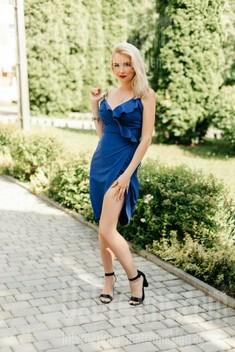 Ivanna from Ivanofrankovsk 31 years - carring woman. My small public photo.