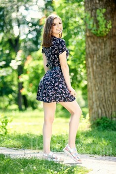 Andriana from Ivanofrankovsk 18 years - wants to be loved. My small public photo.