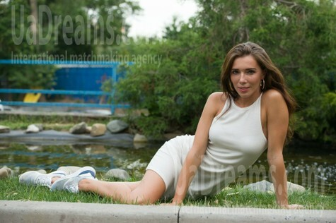 Lenochka from Cherkasy 32 years - bride for you. My small public photo.