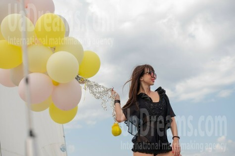 Veronika from Cherkasy 30 years - carring woman. My small public photo.