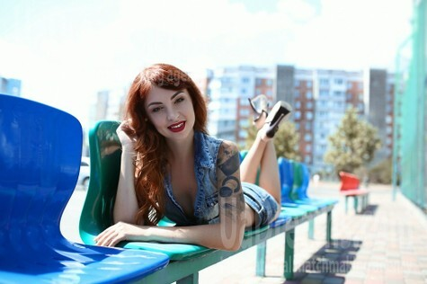 Elena from Cherkasy 39 years - amazing appearance. My small public photo.