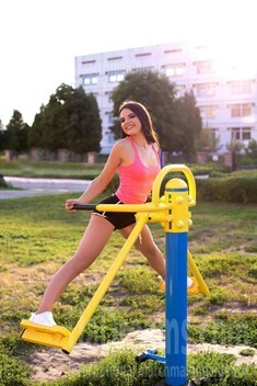 Marie from Sumy 23 years - wants to be loved. My small public photo.