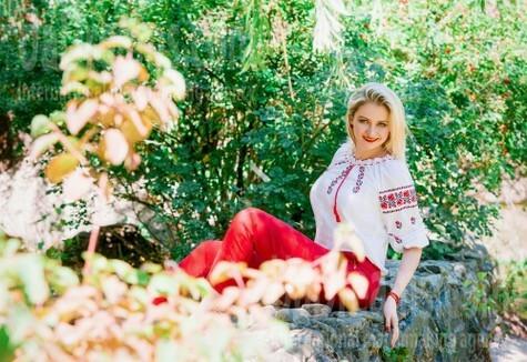 Olya from Cherkasy 33 years - hot lady. My small public photo.