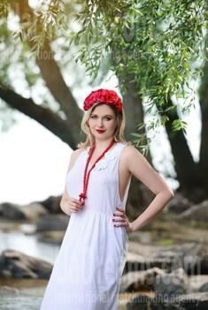 Olya from Cherkasy 33 years - mysterious beauty. My small public photo.