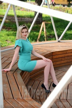 Olya from Cherkasy 34 years - desirable woman. My small public photo.